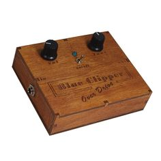 Boîte en bois de distorsion et Overdrive pédale Cigar Box guitare                                                                                                                                                                                 Plus