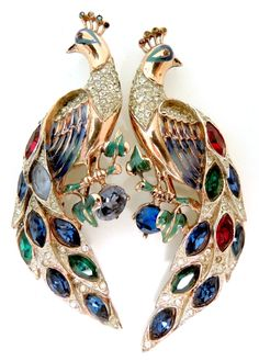 Use Walmart Jewelry Department For Your Shopping List Peacock Jewelry, Bird Jewelry, Animal Jewelry, Jewelry Art, Antique Jewelry, Vintage Jewelry, Fashion Jewelry, Jewelry Design, Jade Jewelry