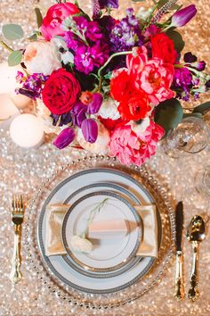Bright and cheerful! Photography: Bradley James Photography - bradleyjamesphotography.com