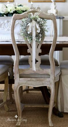 French Country Rug, French Country Dining Room, French Country Decorating, French Country Christmas, French Dining Rooms, French Dining Chairs, French Cottage, Shabby Cottage, French Style