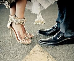 6 Tips for Brides to Buy the Perfect Wedding Footwear Lovely Indian bride wedding photography desi www.amouraffairs.in