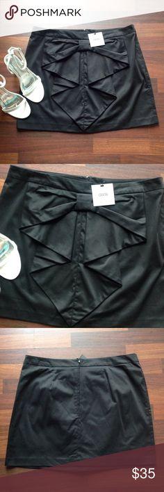 💕HOST PICK💕 Skirt Cute bow skirt with zipper back Asos Skirts Mini