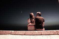 Nous avons tous été témoins de relations fausses.Que ça soit à la télévision ou dans la vraie vie, nous avons tous conscience des caractéristiques de base d'une fausse relation. Elles vont et viennent comme le vent. Si vous avez un sixième sens, vous pouvez presque les sentir dans l'air, en étant à proximité. Peut-être même...