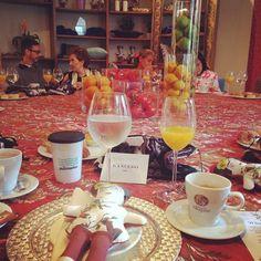 Disfrutando del desayuno por el #20aniversarioMJ con la Embajadora Roberta Lajous y Macario Jimenez en @gancedo_tapicerias #MexicoEstaDeModa #PullmanturInspira @pullmantur @emixteco