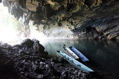 Das Höhlensystem erkundet man per Longtaile Boat . Laos, Holland, Wanderlust, Life Tattoos, Waterfall, Outdoor, Monster, Vacation Package Deals, Tourism