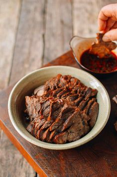 Chinese Spiced Braised Beef Shank is a simple accompaniment to vegetables and rice, in noodle soups.Cooked in a rich braising liquid, braised beef shank is sooo flavorful! Healthy Chinese Recipes, Asian Recipes, Healthy Recipes, Oriental Recipes, Asian Foods, Meat Recipes, Gourmet Recipes, Cooking Recipes, Drink Recipes