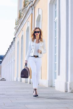Royal Vanilla - Outfit w/ Zara Blazer, Louis Vuitton Speedy, Zara Heels, all white, weiß, Gucci Belt, Gucci, Gucci Gürtel, dressy, classy, elegant, business, Chanel, Spring, Frühling, Summer, Sommer, Outfit of the day, ootd, Style, Fashion