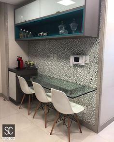 regram @studiocasa Nosso revestimento de parede dá todo o charme nesse cantinho super lindo para refeições. Super gourmet né?! Mais um projeto show em parceria com a a arquiteta @leilabarakat_arquiteta: