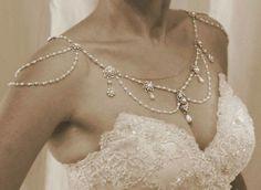 116ee75fb6 Álomesküvő, Esküvői Ruhák, Piercingek, Ékszerkészítés, Fülbevalók,  Menyasszonyi Ruha, Eljegyzés,