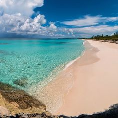 Amazing beach on Paradise Island!