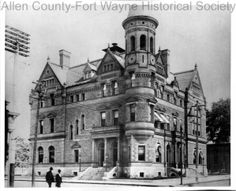 Photograph of the Old Post Office and Federal Building, Fort Wayne, Indiana. Building also housed the Police Department. December 6, 1899.
