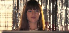 ##Girlboss #MovieTrailers #Britt Robertson Flips Clothes with Attitude in #netflix s New Series