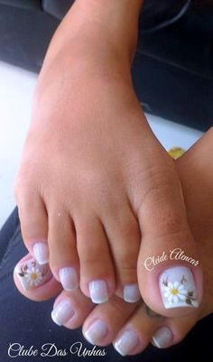 French Pedicure Designs Flower Tips 63 Ideas Toenail Art Designs, French Nail Designs, Flower Pedicure Designs, Pretty Toe Nails, Cute Toe Nails, Pedicure Nail Art, Toe Nail Art, French Nails, French Tip Toes