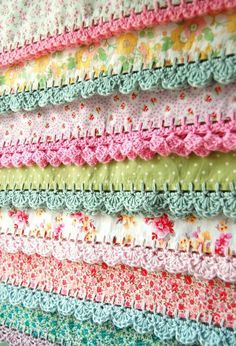 pillowcases with crochet edging... {by rosehip.typepad.com} ✿⊱╮Teresa Restegui http://www.pinterest.com/teretegui/✿⊱╮  I follow patterns by looking at pictures so i do not follow this blog.