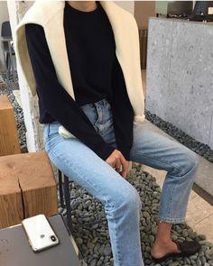 Summer Fashion Tips .Summer Fashion Tips Hipster Fashion, Minimal Fashion, Korean Fashion, Minimal Clothing, Minimal Chic, Fashion Vintage, Vintage 70s, Vogue Fashion, Fashion 2020