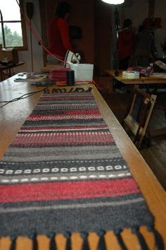 Wool Table Runner: Learning To Weave On A Frame Loom  - course not currently being offered (and it's in MN) but this is a nice pic of what is possible to accomplish with a rigid heddle loom.