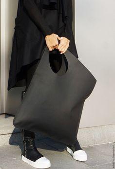 NEW Genuine Leather Matt Black Bag / High Quality Tote by Aakasha Origami Bag, Leather Hobo Handbags, Leather Totes, Leather Purses, Black Leather Bags, Black Bags, Leather Bags Handmade, Mode Outfits, Hobo Bag