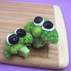 googly-eyed veggies | The Decorated Cookie