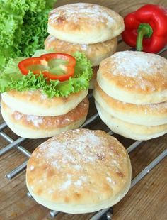Salmon Burgers, Rolls, Food And Drink, Diet, Baking, Cake, Ethnic Recipes, Desserts, Homesteading