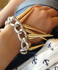DIY Fashion: Spike bracelet