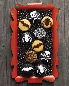 The TomKat Studio: {Cupcake Monday} Halloween & Fall Cupcake Ideas!