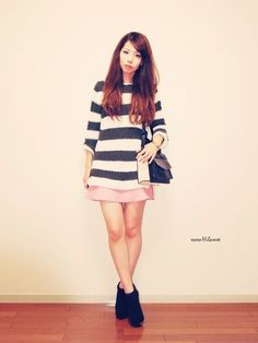sweater skirt shoes jewels bag xoxo hilamee
