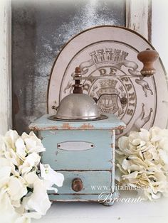 Vita Huset Brocante. :Love the antique coffee grinder.