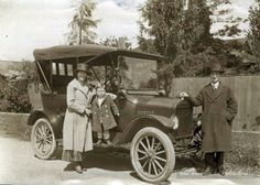 William Cooper with his wife Mabel Wetmon and son Cyril taken in Vancouver Canada in 1914. We love these family photos where clearly the 'star' of the photo is the car ;) Original: http://www.ancientfaces.com/photo/william-cooper-and-family/1273520