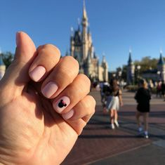minimalista Beautiful Russian Manicure Mickey Mouse Disney nails with hand painted Mickey wi. Beautiful Russian Manicure Mickey Mouse from Disney Nails. Come polish from… Nail Art Designs, Disney Nail Designs, Gel Manicure Designs, Mickey Mouse Nails, Mickey Mouse Shirts, Mickey Tumblr, Disney Acrylic Nails, Disney Manicure, Disney World Nails