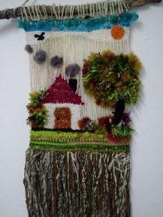 Decorating with wool! Weaving Wall Hanging, Weaving Art, Weaving Patterns, Tapestry Weaving, Loom Weaving, Hand Weaving, Rya Rug, Diy Y Manualidades, Diy Wind Chimes