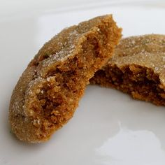 Molasses Sugar Cookies pinner says: NOTES: For soft, chewy cookies, I baked for 8 minutes, rotated the cookie sheet, and baked for another 2 minutes. Cookie Desserts, Just Desserts, Cookie Recipes, Delicious Desserts, Dessert Healthy, Cookie Favors, Yummy Food, Yummy Cookies, Sugar Cookies