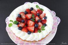 Berries, Cream 'n #Cake!