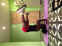 Join the #yogafools challenge on Instagram! #tripod #headstand #fitmom #fitgirls_inspire #blackyogis #fitblackwomen