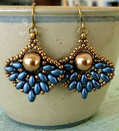 Linda's Crafty Inspirations, 2/27/15 Pattern Review: Retro Fans Earrings, various color combinations