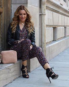 Hazte con una bandolera rosa cuarzo, el color estrella de la nueva temporada. @ccfashionofficial ya luce la suya de Bissú. #moda #bandolera #fashion #style #streetstyle #newcollection #ifashioninspiration #bags #accesories #complementos