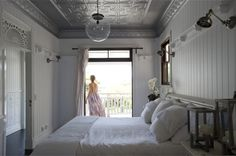 Coastal Hamptons style bedroom