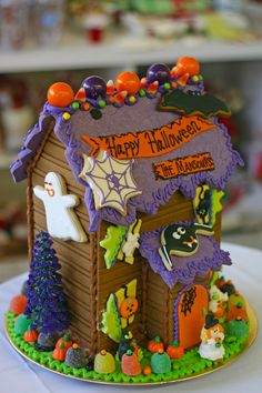 Great Centerpiece I would use at least one or three facing both ways for a centerpiece or you could put up with other food like appetizer, candy table, punch and man more places. Halloween Gingerbread House