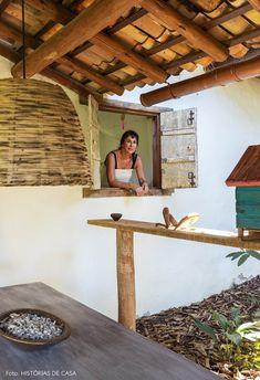 Uma casinha encantadora em Trancoso | Histórias de Casa Puerto Rico, Colonial, Brazil, Beach House, Pergola, Farmhouse, Outdoor Structures, Cabin, Montana