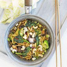 Spicy mushroom & broccoli noodles