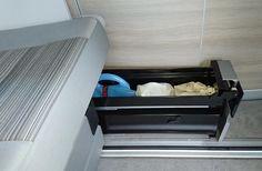 Stauraum hat man im kleinen, grossen Bus nie genug. Für die T5 Californias gibt es von VW eine zweite Schublade zur Ergänzung unter der Sitzbank. Der Artikel beschreibt den Anbau der Zusatz-Schublade. Zum Einbau benötigte Teile Für den Einbau im T5.2 ab...