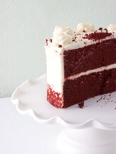 Perfect for the Groom's cake when having an intimate wedding.  Or why not have several small pretty cakes instead of a large wedding cake?  Variety is a wedding's best friend.- Annie's Euro American Bakery - Red Velvet Cake