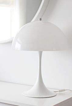 Panthella by Louis Poulsen lamp Interior Lighting, Modern Lighting, Lighting Design, Scandinavian Lighting, Scandinavian Interior, Beautiful Interior Design, Beautiful Interiors, Verner Panton Lamp, Deco Design