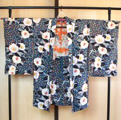 SALE Japanese antique haori with confetti flowers by SalzTokyo