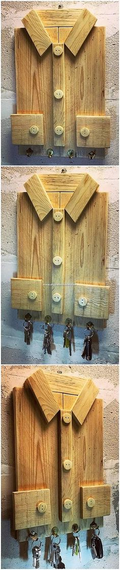 Check out with this exciting and much appealing designed key holder form artwork. Pallet Wall Decor, Pallet Wall Shelves, Pallet Art, Pallet Crafts, Pallet Projects, Wood Crafts, Woodworking Projects, Recycled Pallets, Wooden Pallets