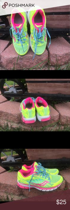 Saucony sneaker size 81/2 Multicolor Saucony Sneakers. Woman size 8 1/2. Slightly used. In good condition. Saucony Shoes Sneakers