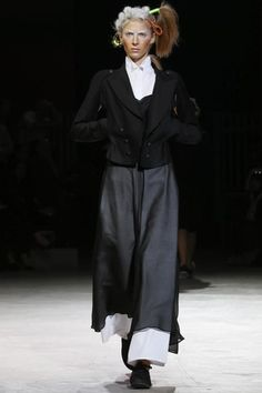 Yohji Yamamoto Ready To Wear Spring Summer 2014 Paris - NOWFASHION