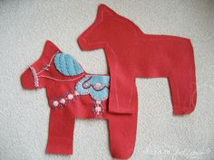 little dear tracks: sew a stuffed toy