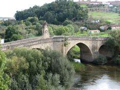 Imagen del Puente medieval sobre el río Jerte, construido por el Conde de Osorno, con su altar a San Pablo