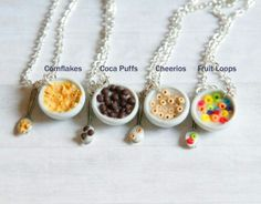 Polymer clay food cereal bowl cheerios fruit loops cornflakes cocoa puffs and m . Polymer clay food cereal bowl cheerios fruit loops cornflakes cocoa puffs and m … – Cute Polymer Clay, Cute Clay, Polymer Clay Miniatures, Polymer Clay Projects, Polymer Clay Charms, Polymer Clay Creations, Clay Crafts, Polymer Clay Jewelry, Friendship Necklaces