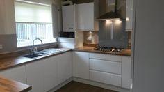 Gloss Kitchen, Kitchen Cabinets, Kitchen Ideas, David, Home Decor, High Gloss Kitchen, Decoration Home, Room Decor, Cabinets